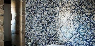 Tiled bedroom moroccan style